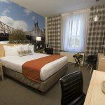 Queen Bed Room, Brooklyn Bridge View,